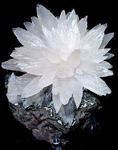 Calcite.jpg.7f899d63354248aa7d8bf4c5effe601a.jpg